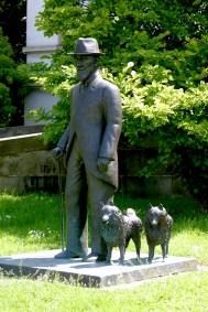 Alemania, Baden-Wurtemberg, Stuttgart, La Milla de la Cultura, estatua del Rey Wilhem II, escultura