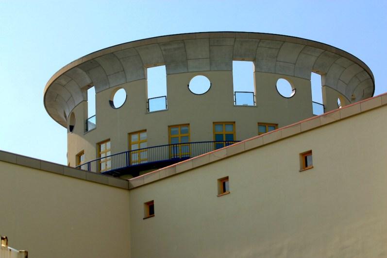 Alemania, Baden-Wurtemberg, Stuttgart, Escuela de Música, arquitecto J.Stirling