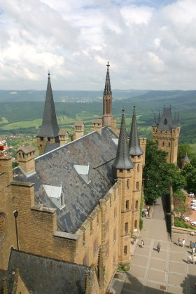 Alemania, Baden-Wurtemberg, Hechingen, castillo Hohenzollern, vista de los Alpes Suavos
