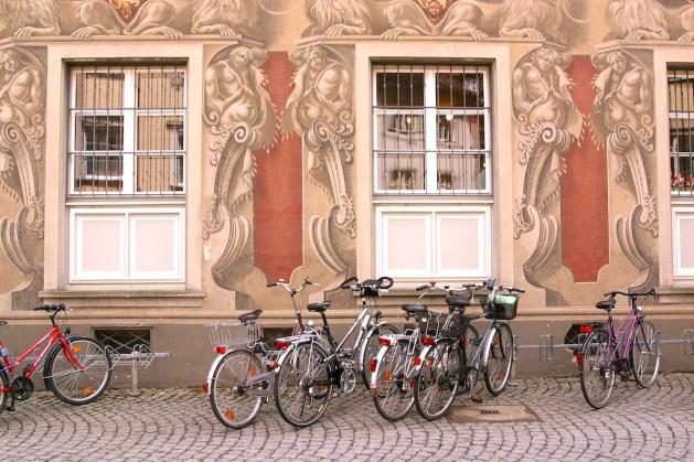 Alemania, Lago de Constanza, Lindau, museo municipal, mural, bicicleta