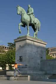 Bruselas,estatua ecuestre Albert
