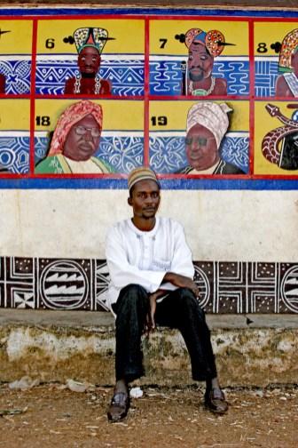 Camerún, Foumban, Sultanato, mural dinastía Batún, comerciante, retrato