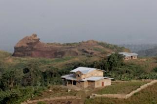 Camerún, Melong, Monte Manengouba