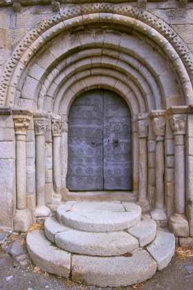 Catalunya, Gironès, La Cerdenya, Guils, Santa. Esteve de Guils, Iglesia Románica, puerta