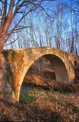 Pla de L'Estany, Sant Miquel Santmayor, Puente de Can Prat, Siglo XII