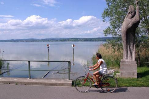 Alemania, Lago de Constanza, Isla Reichenacu, Patrimonio UNESCO, bicicleta