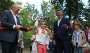 В селищі урочисто відкрили оновлений парк Шевченка