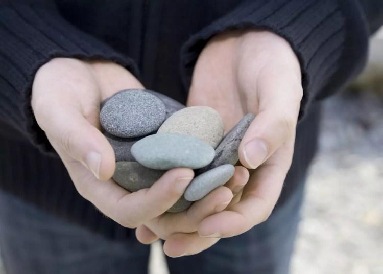 burimas akmenimis