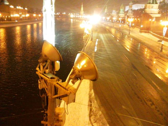 23.02.2016. Немцов Мост. Снег идёт
