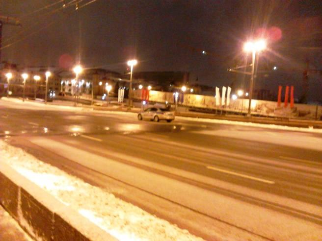 23.02.2016. Немцов Мост. Полицейская машина около Мемориала