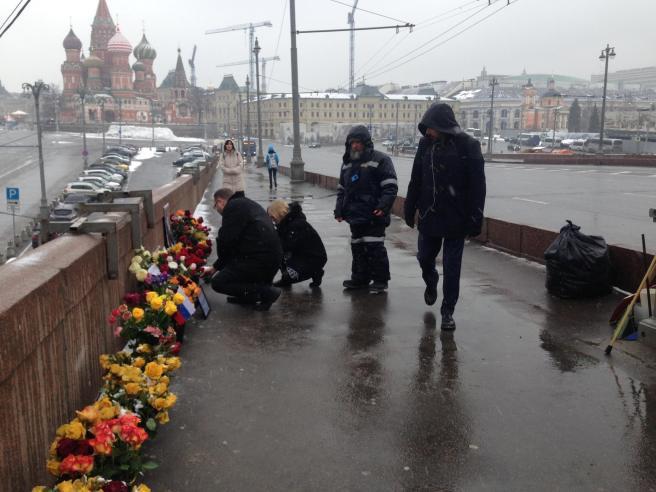Гости на народном мемориале