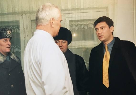 2000-nemtsov-surgut