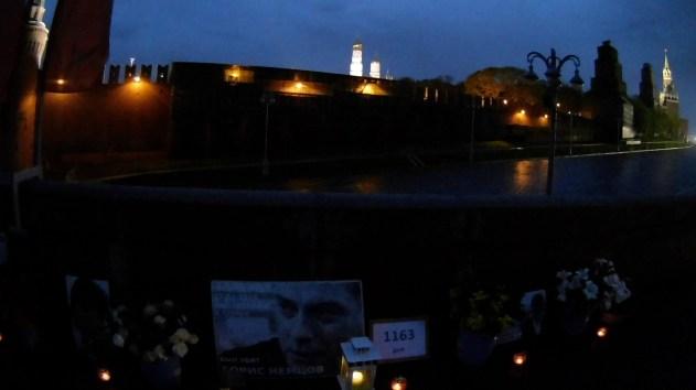 05.05.2018 Ночное дежурство на Мосту Немцова Огни зажигают...
