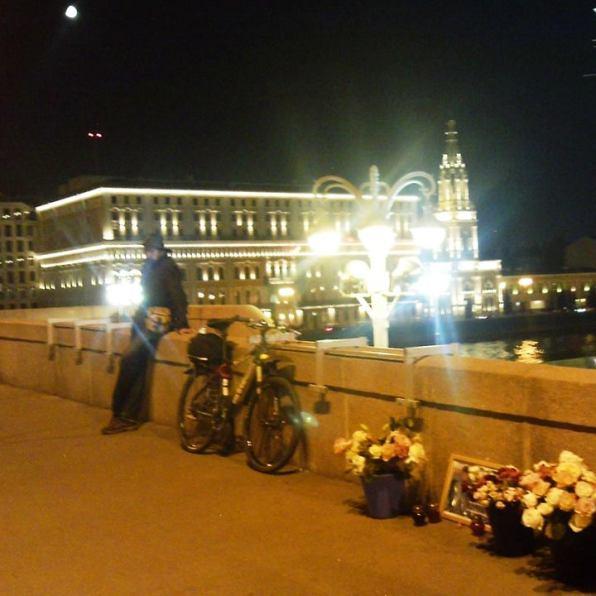 18.10.2018 Вечернее дежурство на Мосту Немцова Тимофей