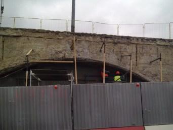 10.11.2018 Немцов мост. Ремонт На другой стороне моста Снимают наружное покрытие