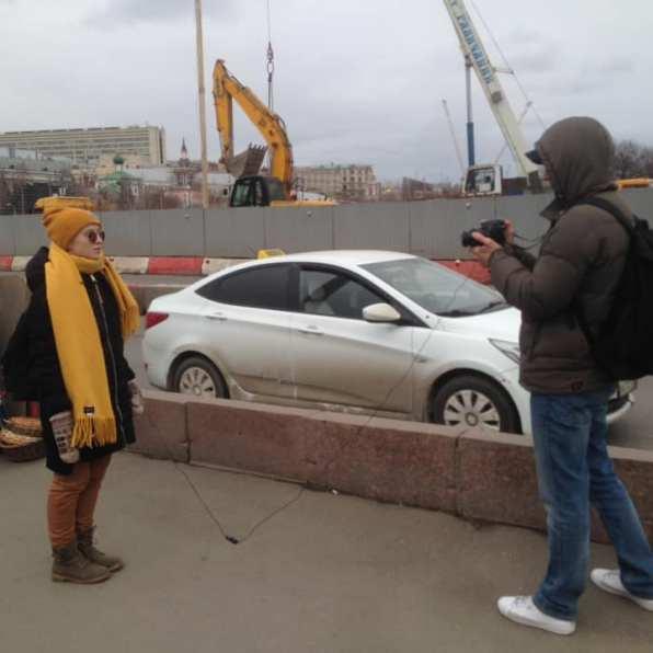 Софья Кардаш даёт интервью Фотографии — Тамара Луговых