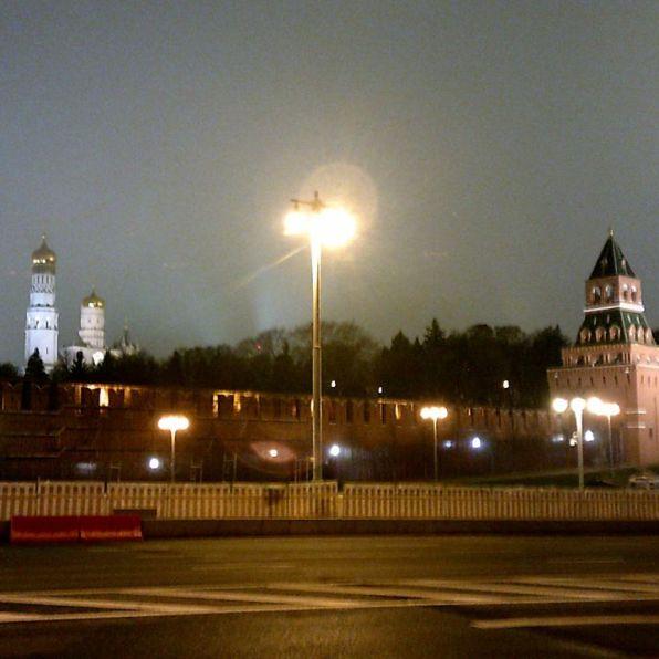 Утреннее дежурство на Мосту Немцова Фотографии — Карина Старостина