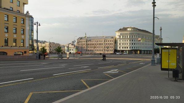 20.06.2020 Немцов мост. Мемориал позади... Полицейское государство