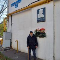 Волонтер с Моста Немцова у его дома в Нижнем Новгороде