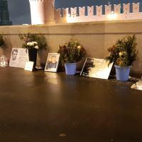 На мост Немцова. С цветами