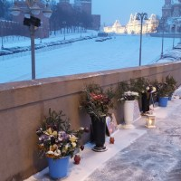 Немцов мост и пикеты у Окуджавы