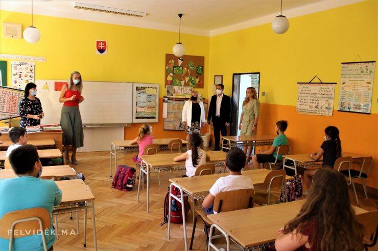 Filip Mónika: Az Ipoly menti iskolák közösségmegtartó intézmények