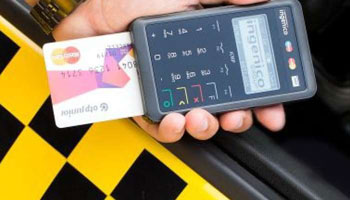 Taxisbűnözés: bankkártya lopásokból és pénzcserékből is tollasodnak a hiénák