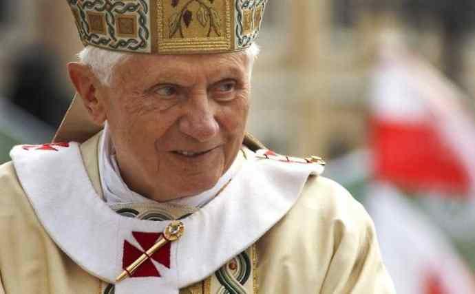 Őszentsége XVI. Benedek emeritus pápa születésnapjára