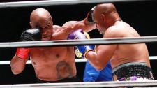 Tyson–Roy Jones Jr.: nem bírt egymással a két legenda az év bokszgáláján