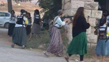 Felfegyverzett zsidó telepesek lerohantak egy palesztin falut