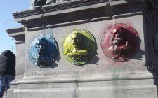 Az oláhok meggyalázták az aradi a Szabadság-szobrot: kék-sárga-pirosra mázolták a hősök arcképét