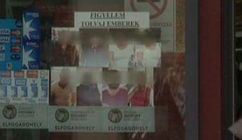 Kiplakátolta a tolvajok képét a bejárathoz