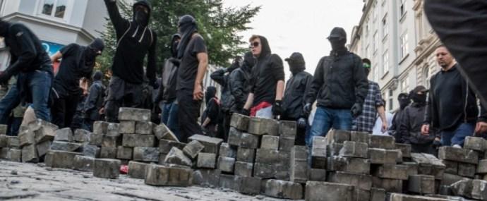 Gulyás Márton behívta a Soros-rohamosztagot