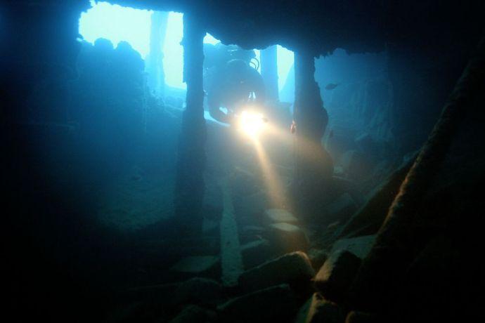 Kincsekre leltek a víz alatt