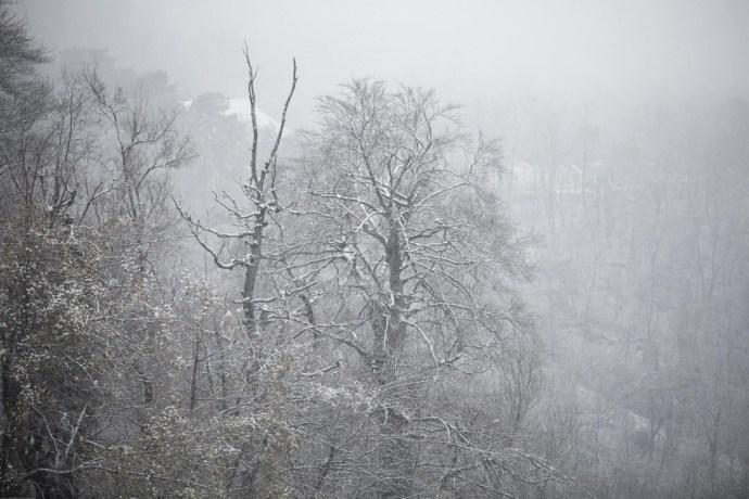 Havazás: elakadtak a kamionok, késnek a vonatok