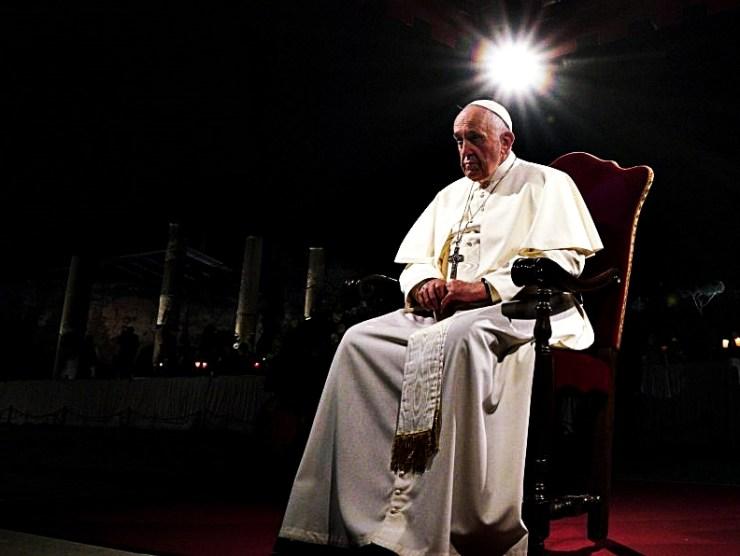 A pápa, aki jön is, meg nem is