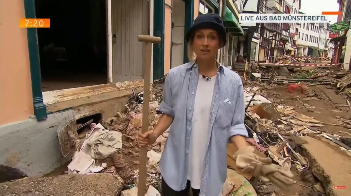 Besárolta magát az RTL németországi árvízről tudosító riporternője, hogy drámaibb legyen a riport hatása