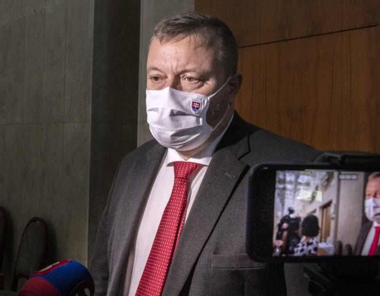 Krajniak: Szigorodhat az ellenőrzés a határokon