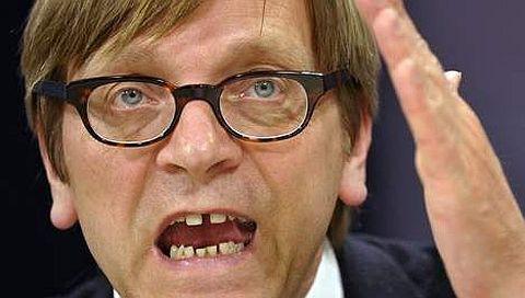 Euractiv: Soha ne higgy ezután Verhofstadtnak