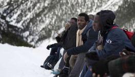 Sorra bukkannak elő a migránstetemek az olvadó gleccserből. Az Alpok tömegsírrá válhatnak