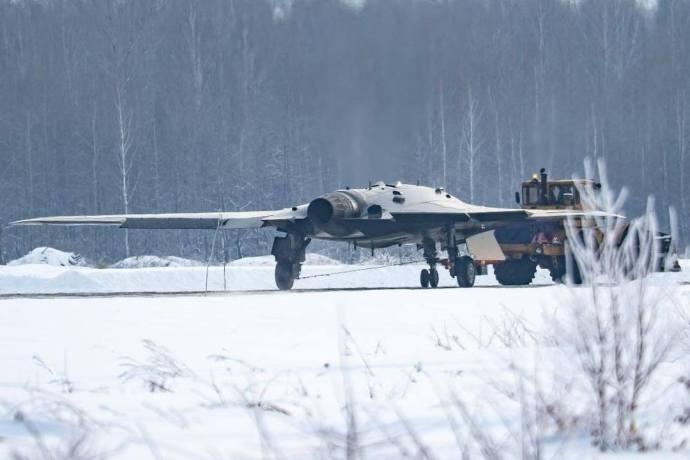 Szibériai fotók: első pilóta nélküli vadászgépükön dolgoznak az oroszok