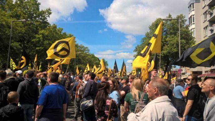 """""""Európa jövője a mi kezünkben van"""" – Identitás Generáció-beszámoló a berlini demonstrációról"""