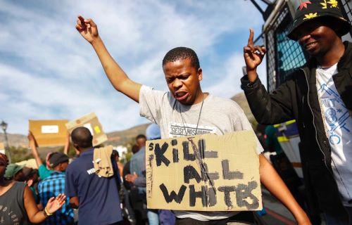 BLM: a fehérek súlyos defektekkel rendelkező félállati lények
