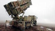 Irán rakéta ütegeket telepít a Hormuz szoros térségébe (videó)