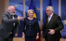 Juncker és Timmermans állítólag összevissza dicsérte a miniszterelnököt Brüsszelben