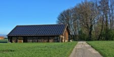 Van, ahol 800 ezer háztartás kap ingyen napelemeket