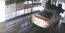 VIDEÓ: Beállt az autómosóba, felfoghatatlan, ami ezután jött