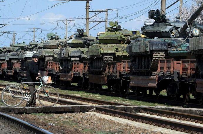 A cseheknek adunk pár tucat T–72-est