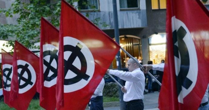 """Az Európai Parlament felszólította a tagállamokat, hogy tiltsák be a """"neonáci csoportokat"""""""