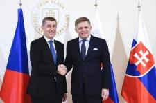 Fico: Szlovákia kiáll a csehek, a lengyelek és a magyarok mellett Brüsszellel szemben